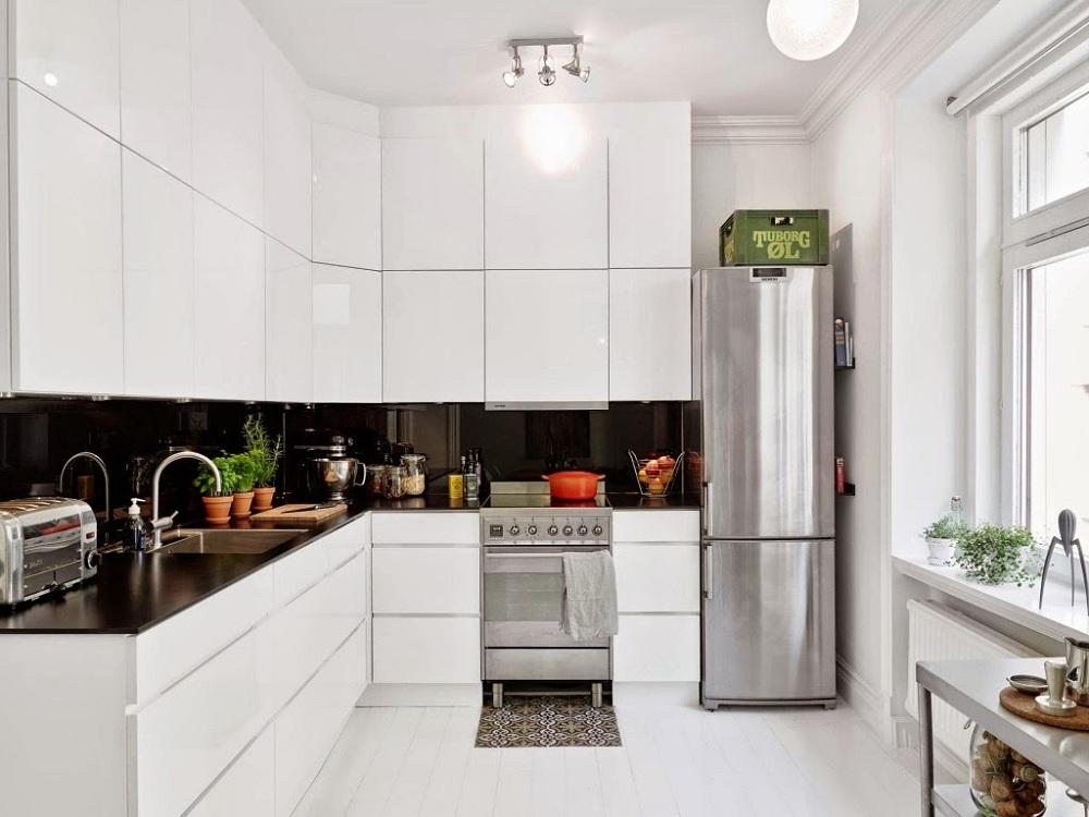 Белая глянцевая кухня угловая