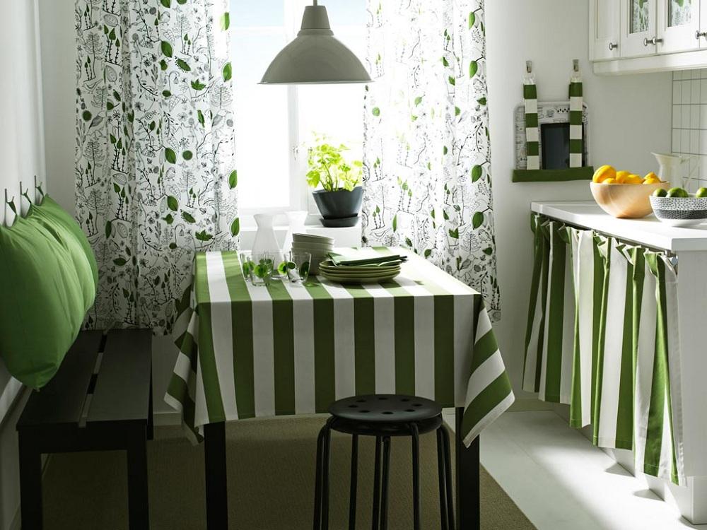Короткие шторы на кухню из хлопка