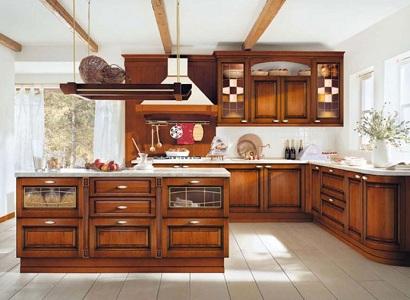 Что надо знать перед покупкой кухни из дерева, какое дерево лучше, какие стили уместны