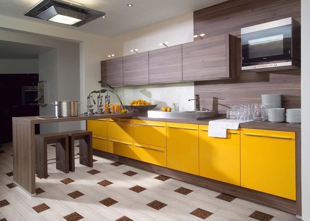 Лимонно-коричневая кухня