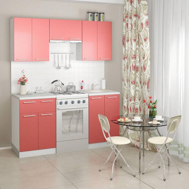 Небольшая розовая кухня