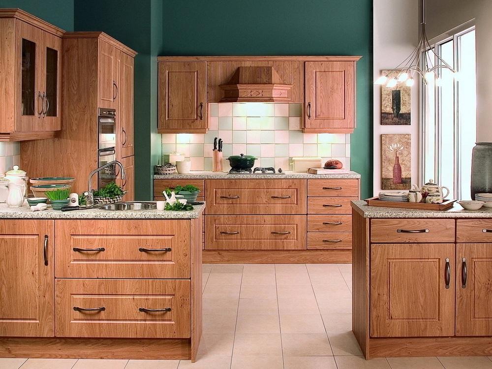 Плюсы и минусы кухонь из дерева