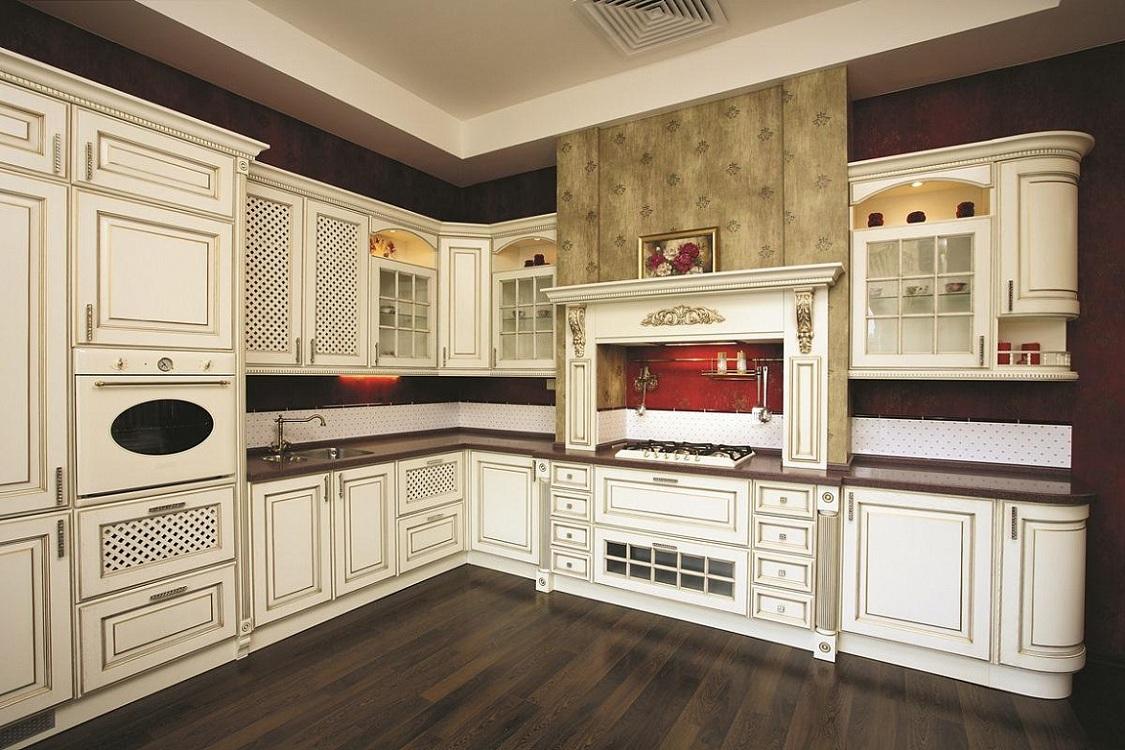 Пол и потолок на кухне с патиной