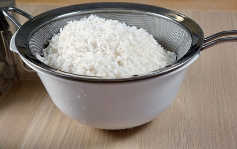 Рис от запаха в холодильнике