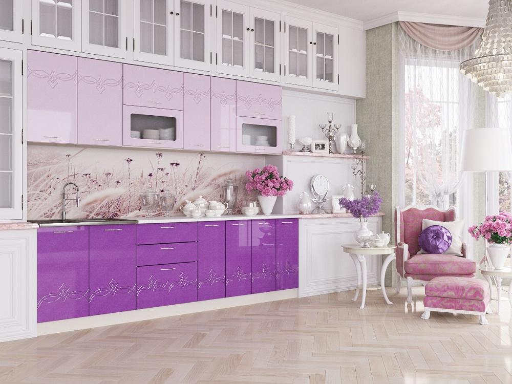 Розовая кухня в сочетании с сиреневым цветом