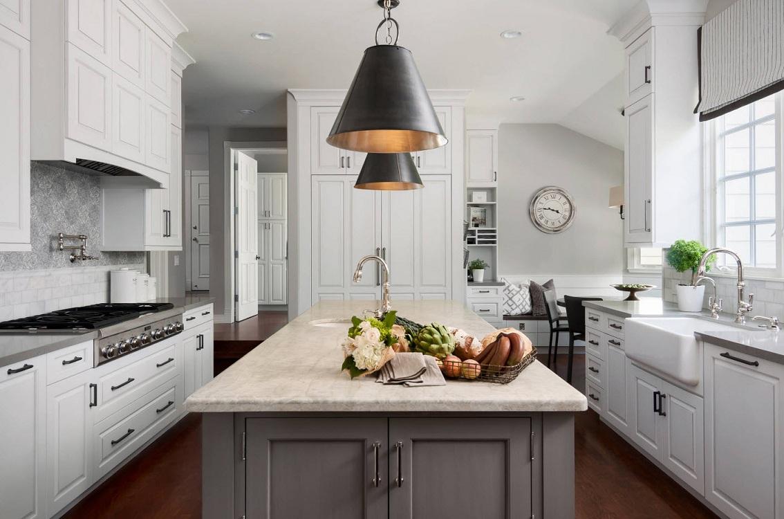 Серо-белые кухни