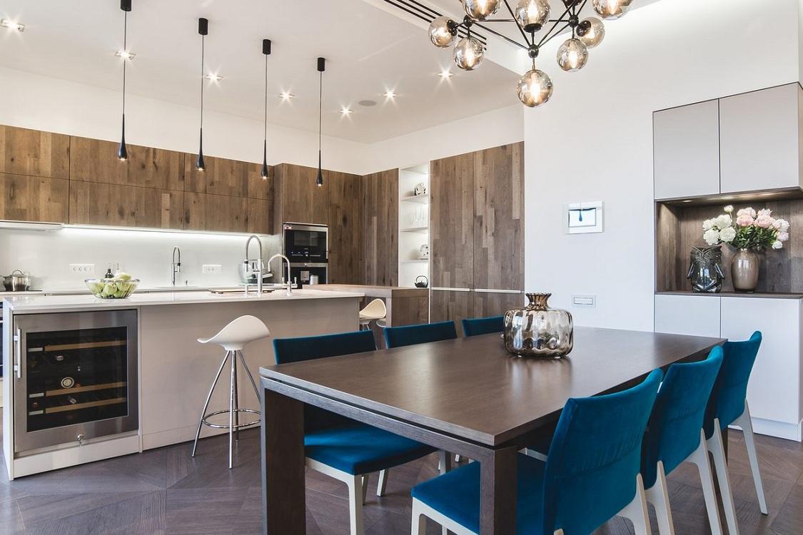 Стол и стулья для кухни в стиле минимализм