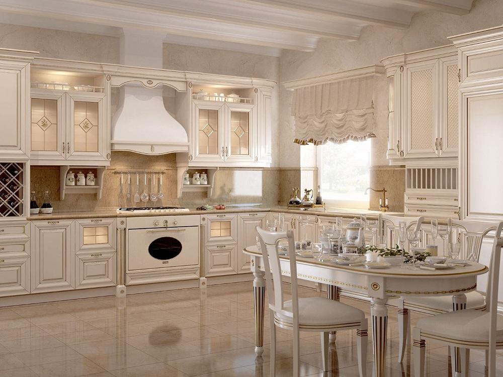 Стол и стулья на кухне с патиной