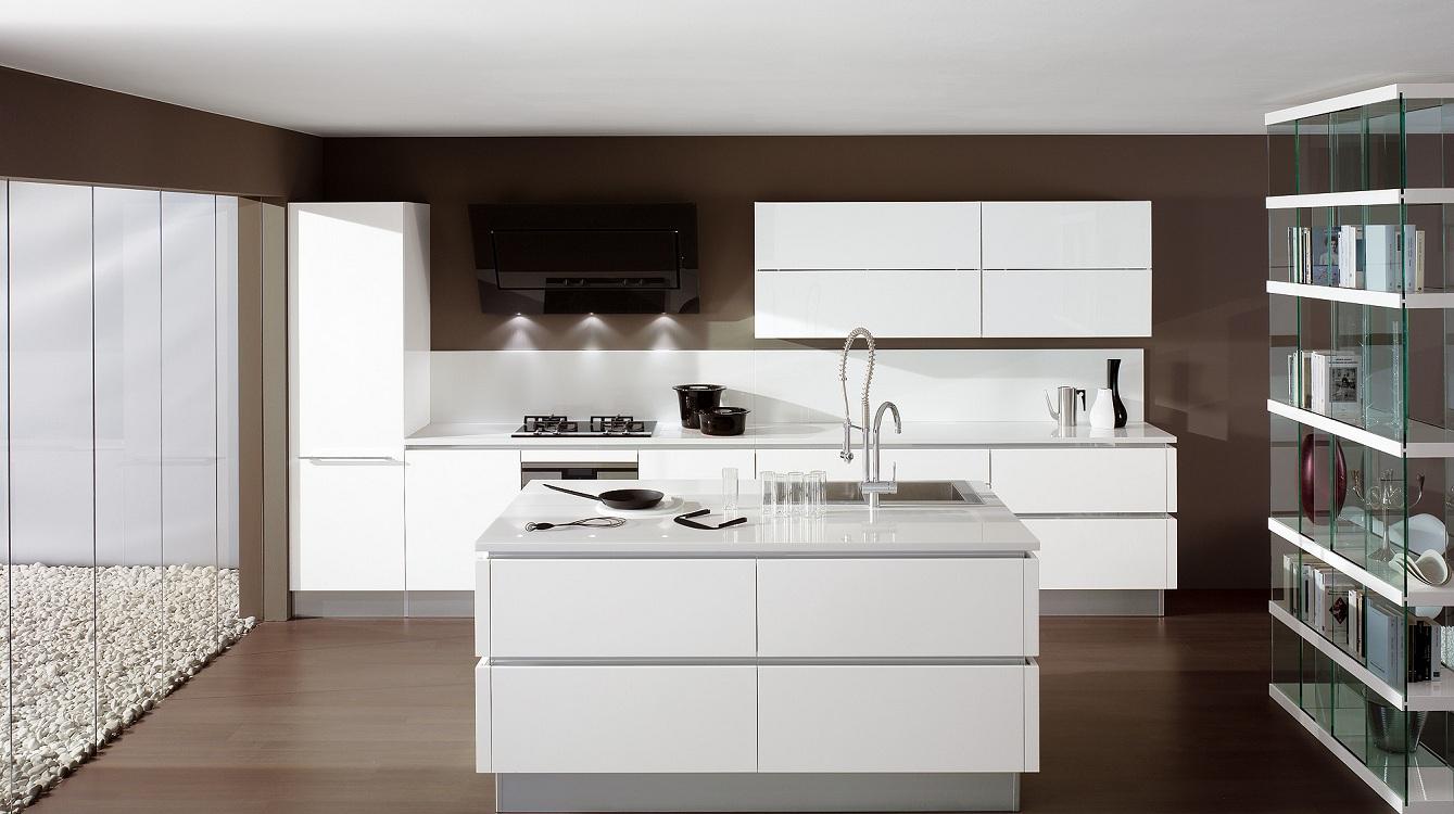 Белые кухни в стиле хай-тек