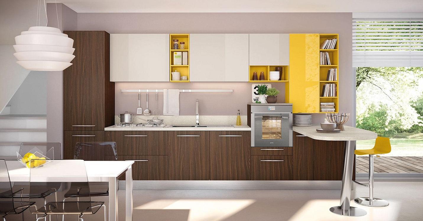 Коричневая кухня в сочетании с желтым цветом