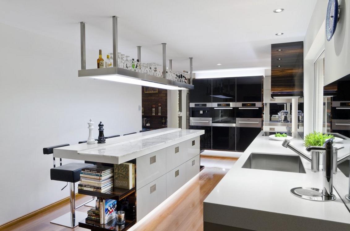 Кухонный остров с барной стойкой