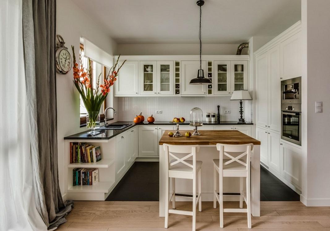 Квадратная кухня с островом