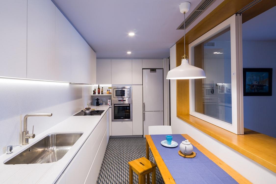 Мебель на узкую кухню