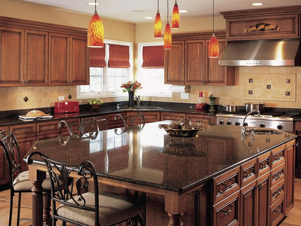 Мраморная столешница коричневого цвета на кухню