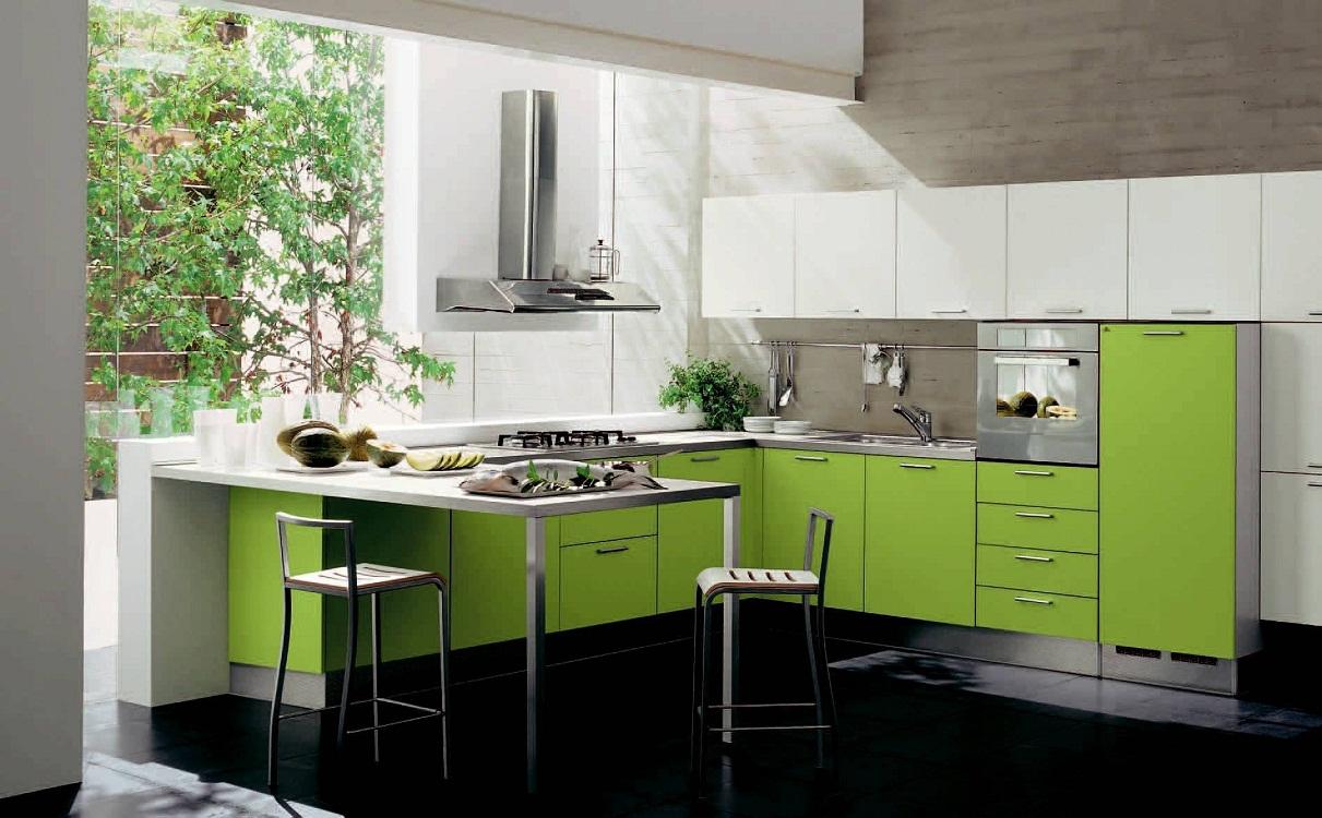 Оливковая кухня в сочетании с другими цветами
