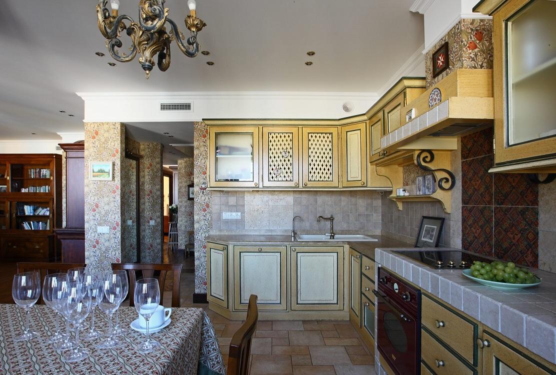Плитка на кухне в английском стиле