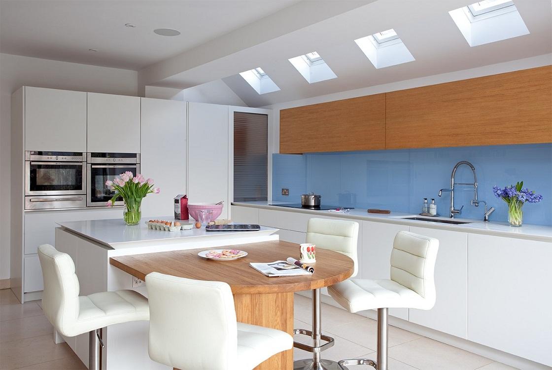 Плюсы и минусы потолков на кухню из гипсокартона