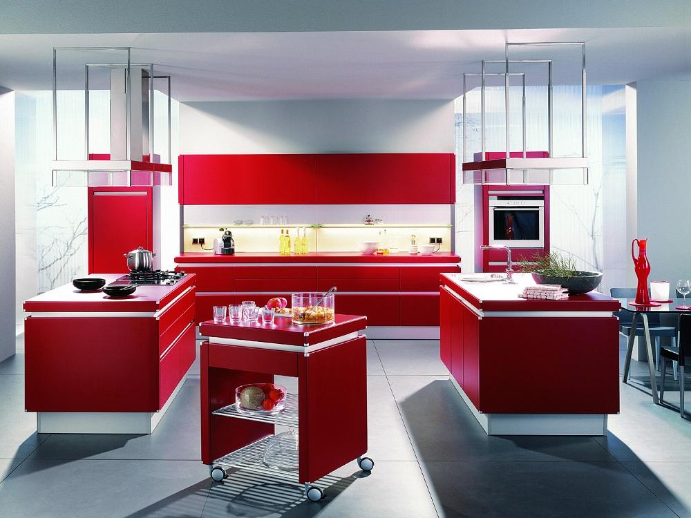 Пол и потолок для красно-белой кухни