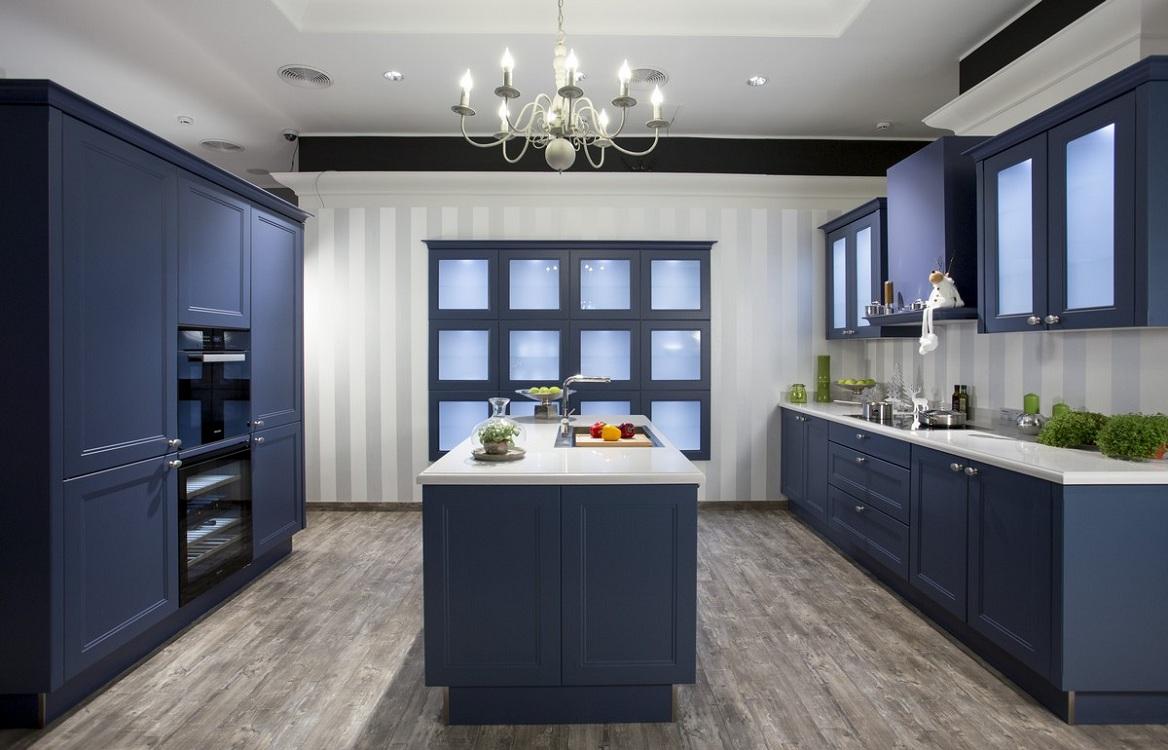 Пол и потолок для кухни синего цвета