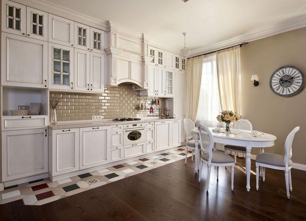 Пол и потолок для светлой кухни