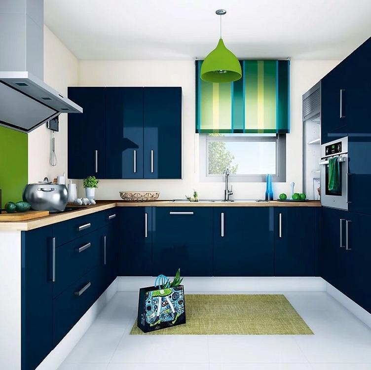 Синяя кухня в сочетании с зеленым