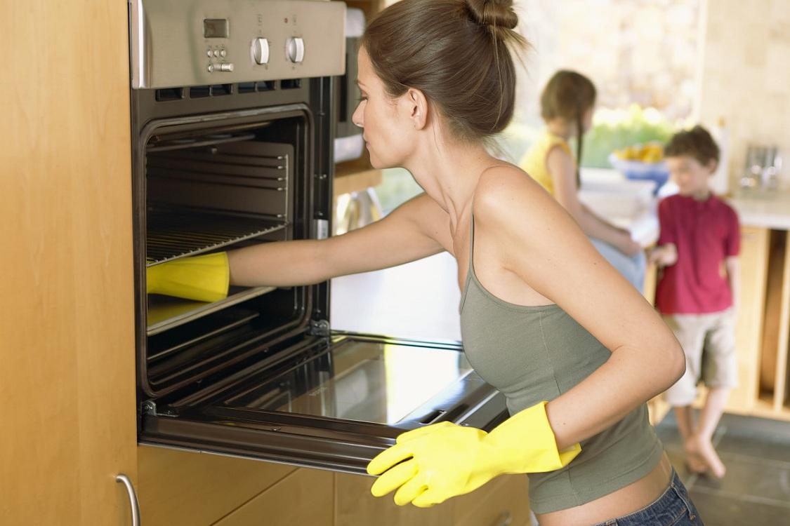 Система очистки встраиваемой электрической духовки