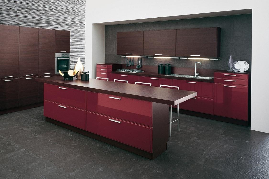 Сочетание бордовой кухни с черным цветом