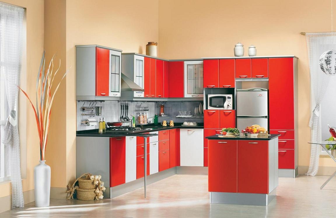 Сочетание красно-белой кухни с серым оттенком