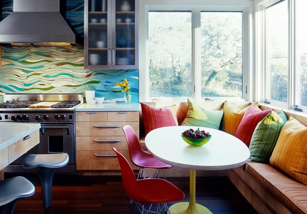 Советы при выборе углового дивана на кухню