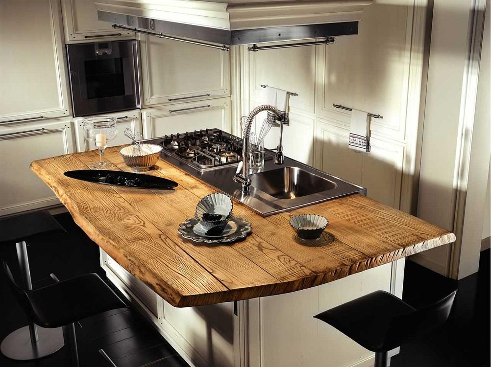 Столешница из досок и прямого планкена для кухни