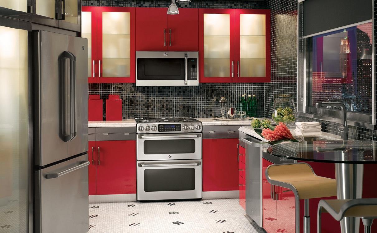 Фартук на красной кухне