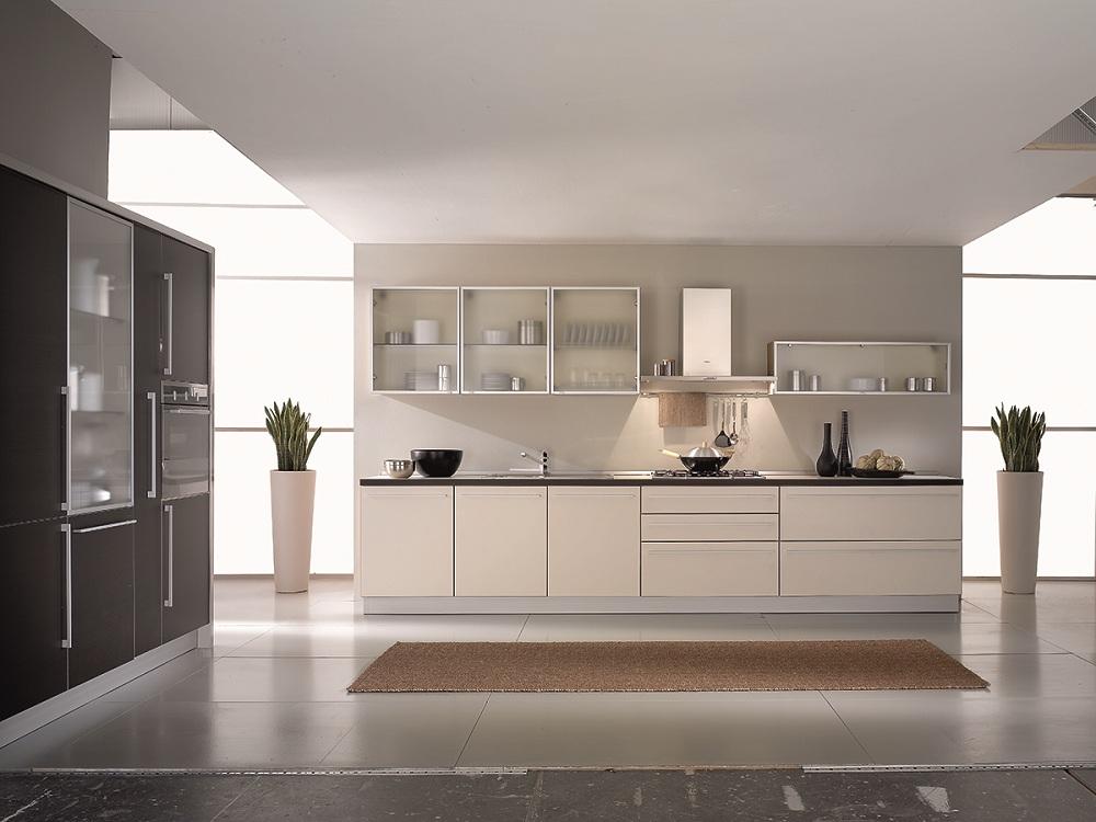 Кухня со стеклянными фасадами из триплекса