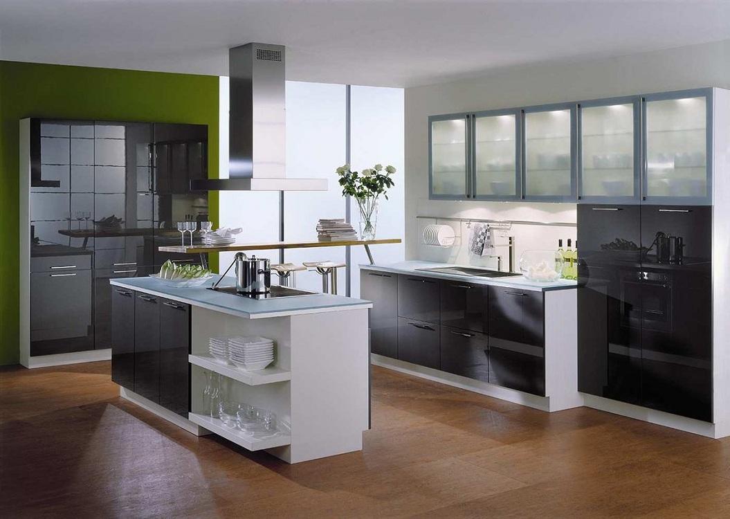 Плюсы и минусы кухонь с фасадами из стекла