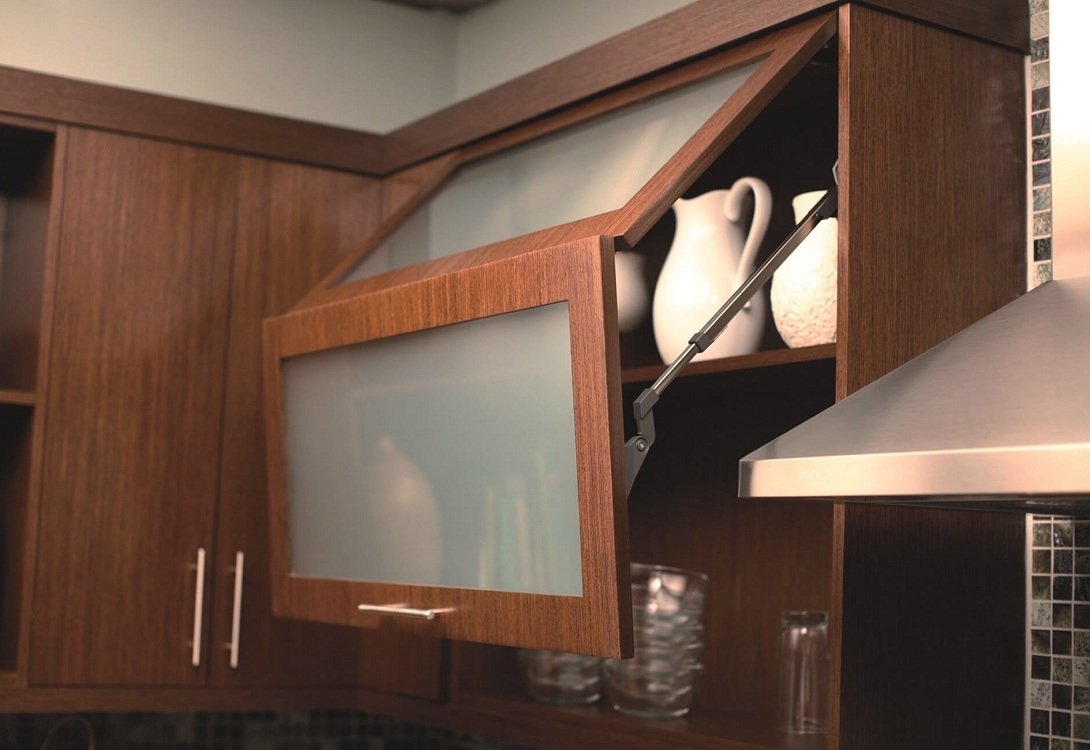 Навесные шкафы из ДСП для кухни