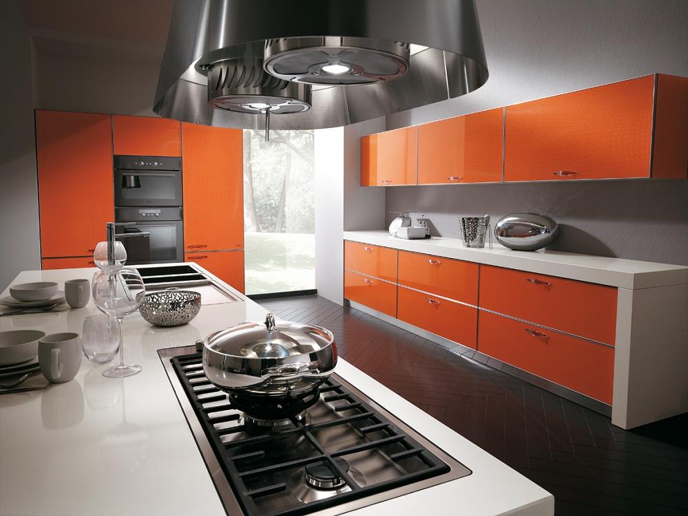 Кухни в оранжевых цветах, подбираем фартук, обои, шторы, потолок