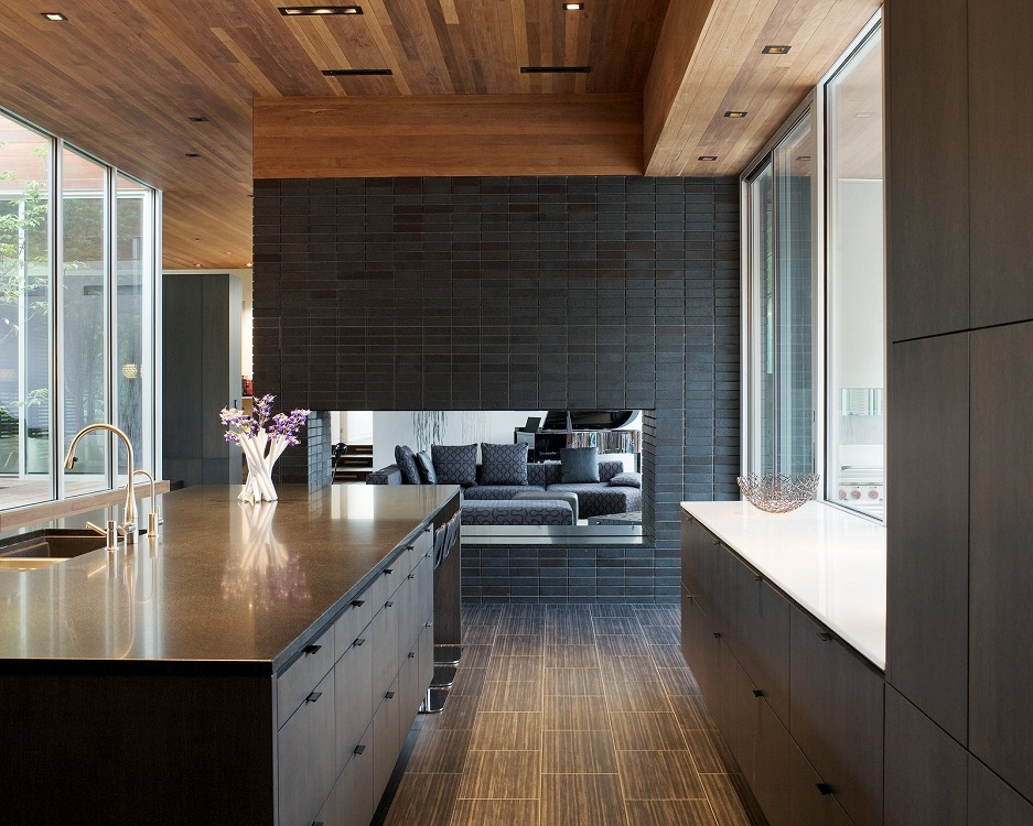 Особенности дизайна реечных потолков для кухни