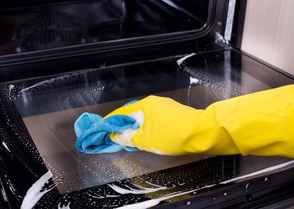 Отмыть духовку угольной кислотой