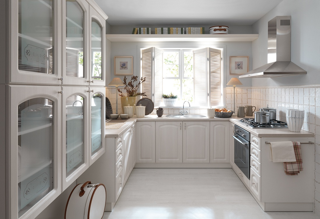 Интерьеры П-образных кухонь, плюсы и минусы, варианты планировок и стилей