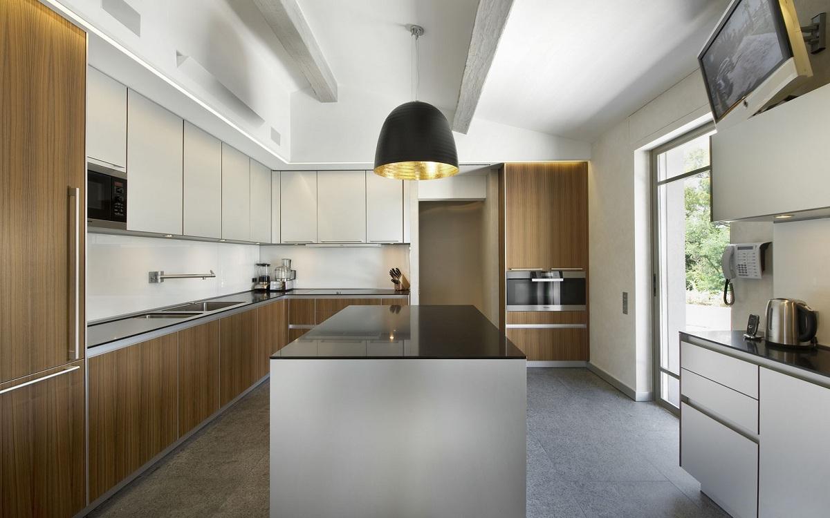 П-образная кухня в современном стиле
