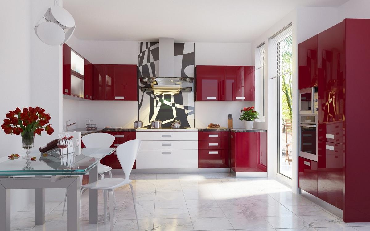 Потолок на красной кухне