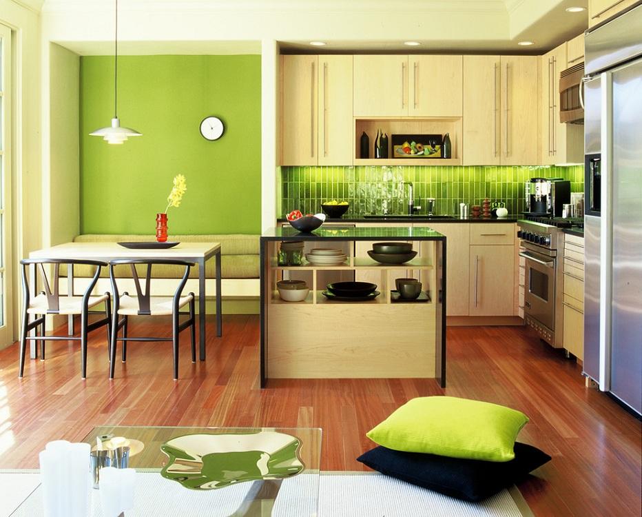 Салатовая кухня в сочетании с бежевым