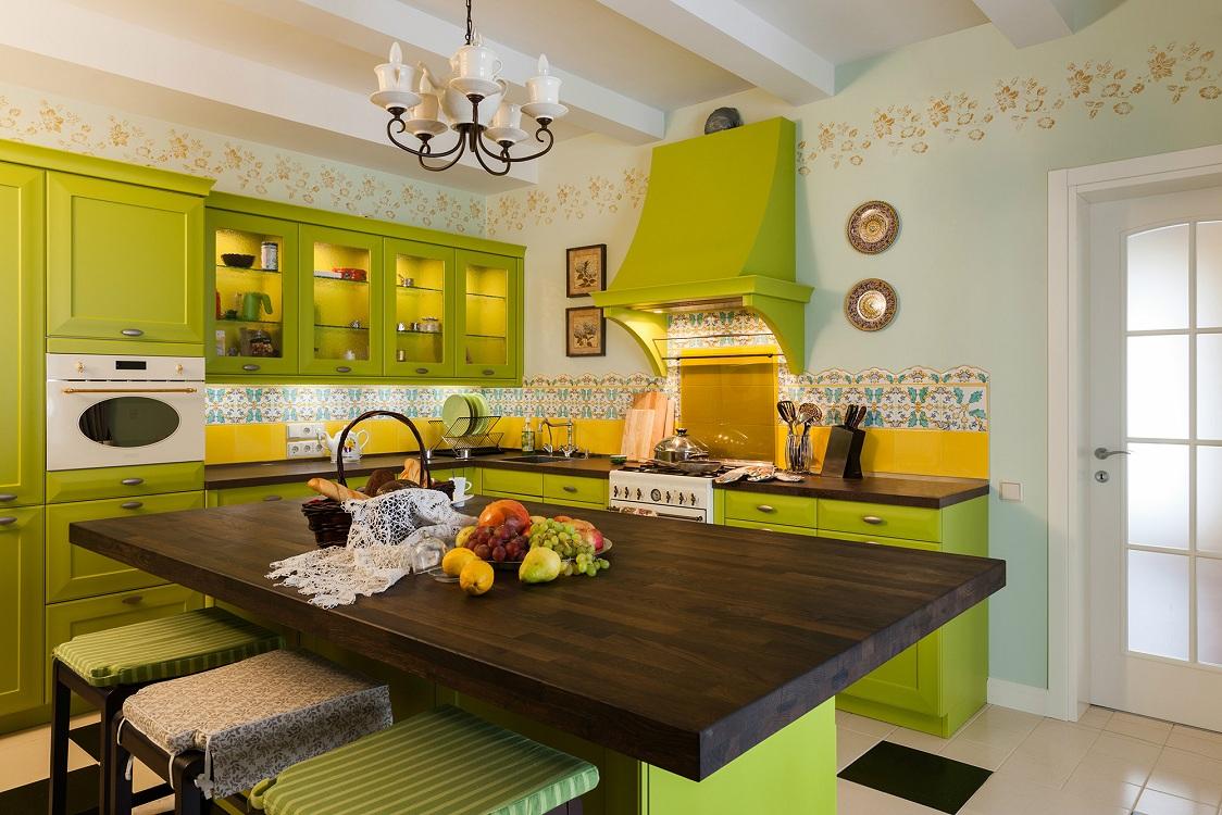 Салатовая кухня в стиле прованс