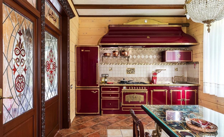 Стили для красной кухни