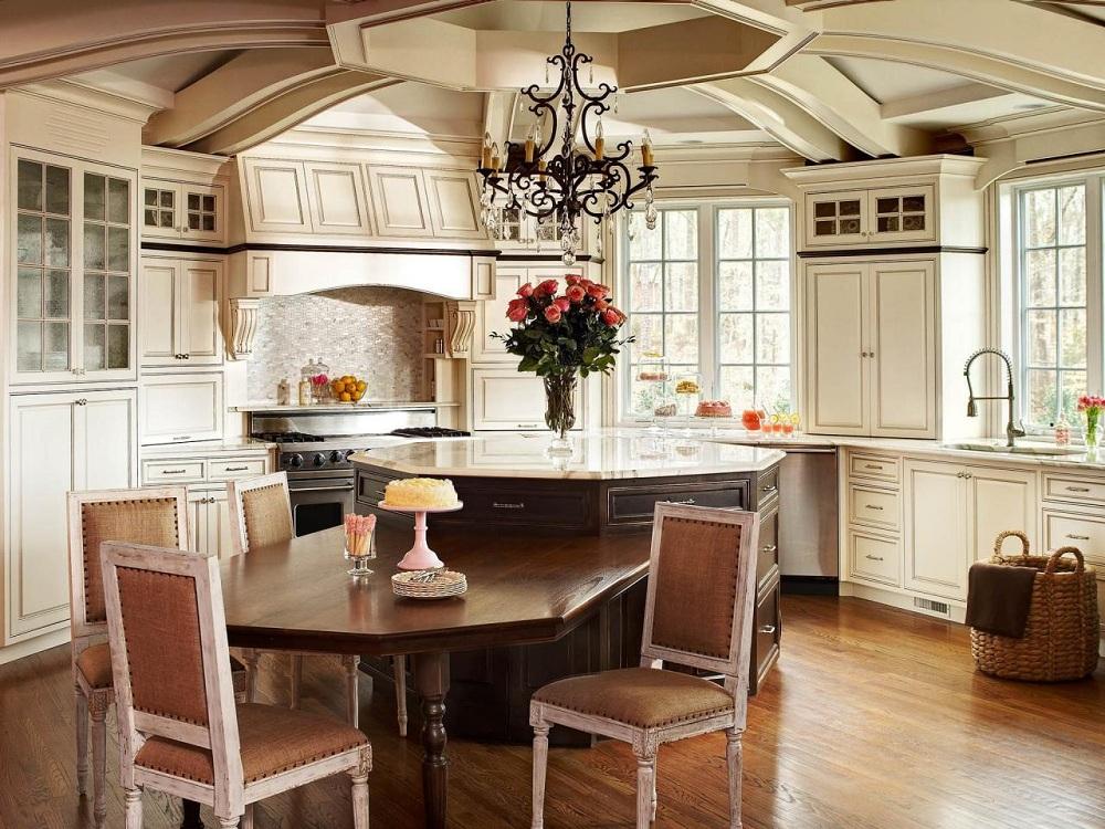 Столешница на классической кухне