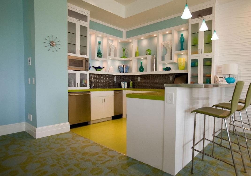 Желто-бирюзовая кухня