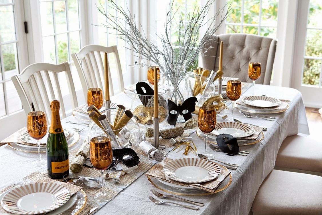 Посуда для декора кухни к Новому году и Рождеству