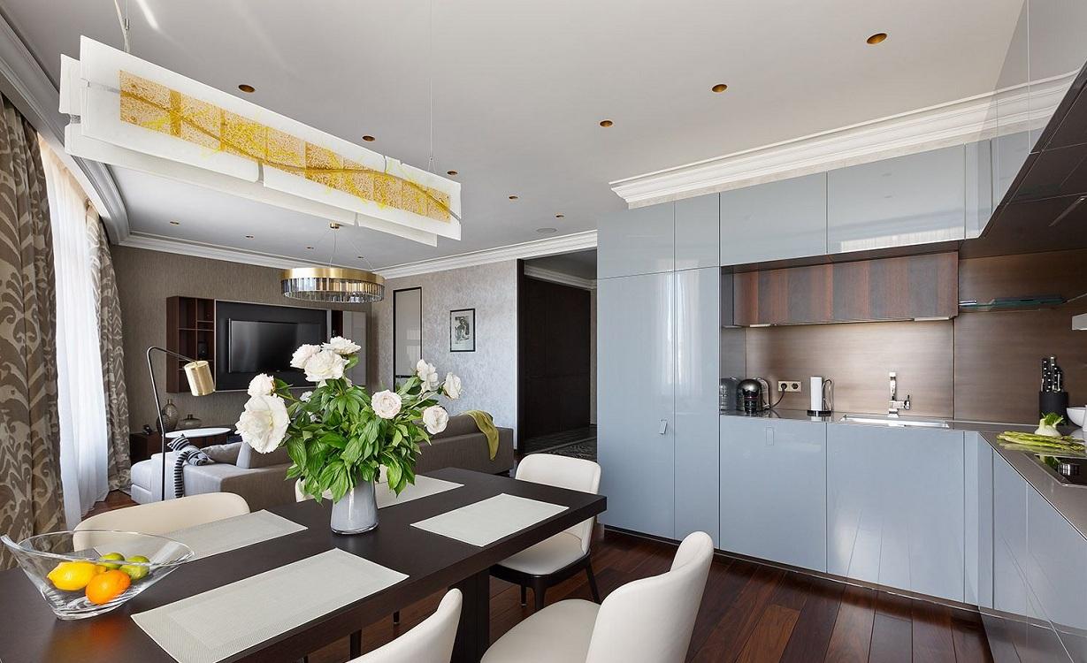 Мебель на кухне-гостиной 26 метров