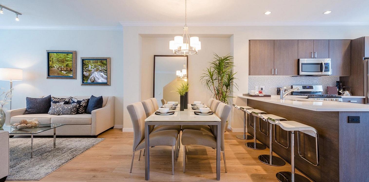 Обеденная зона на кухне-гостиной 23 метра