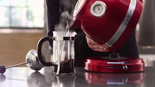 Критерии выбора электрического чайника — бюджетные варианты и средней ценовой категории