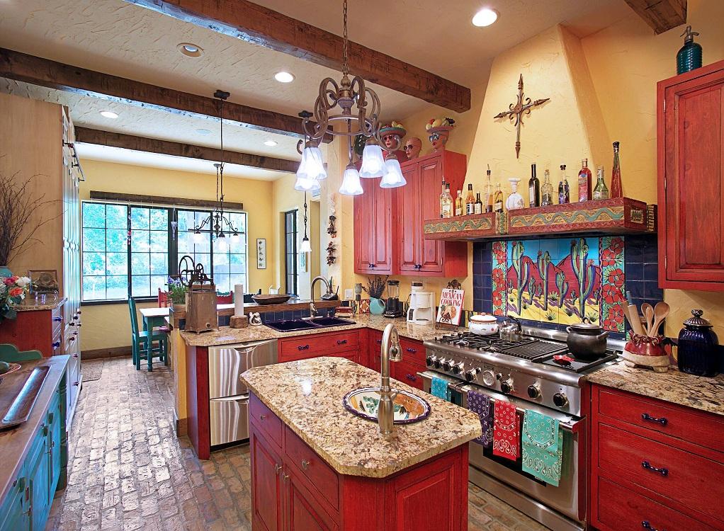 Жаркий испанский стиль в интерьере кухни: 18 тематических фото